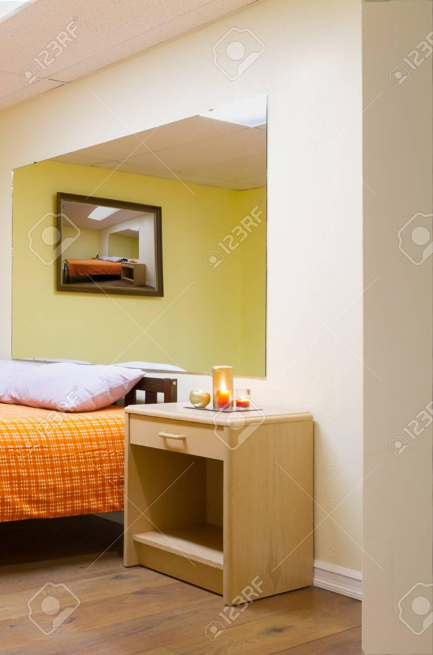 Bedroom Interior Design Mit Möbeln In Ein Neues Haus. Lizenzfreie ...