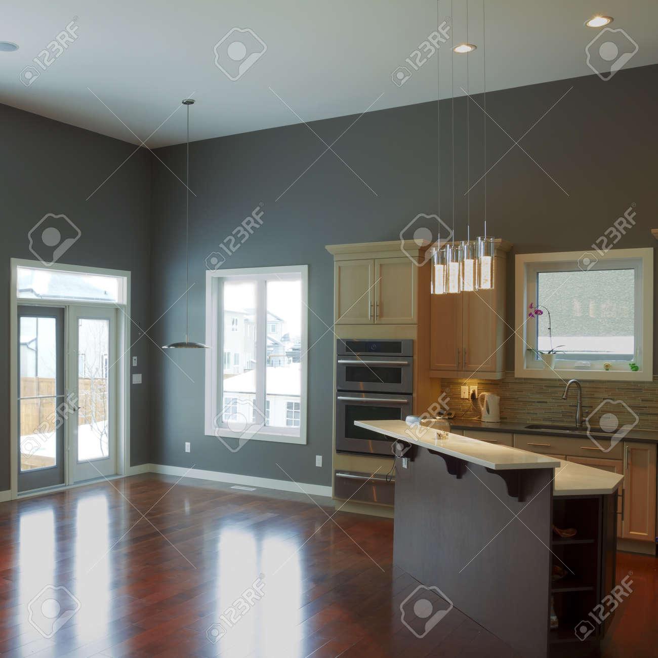 Interior Design Der Modernen Küche Und Wohnzimmer In Einem Neuen ...