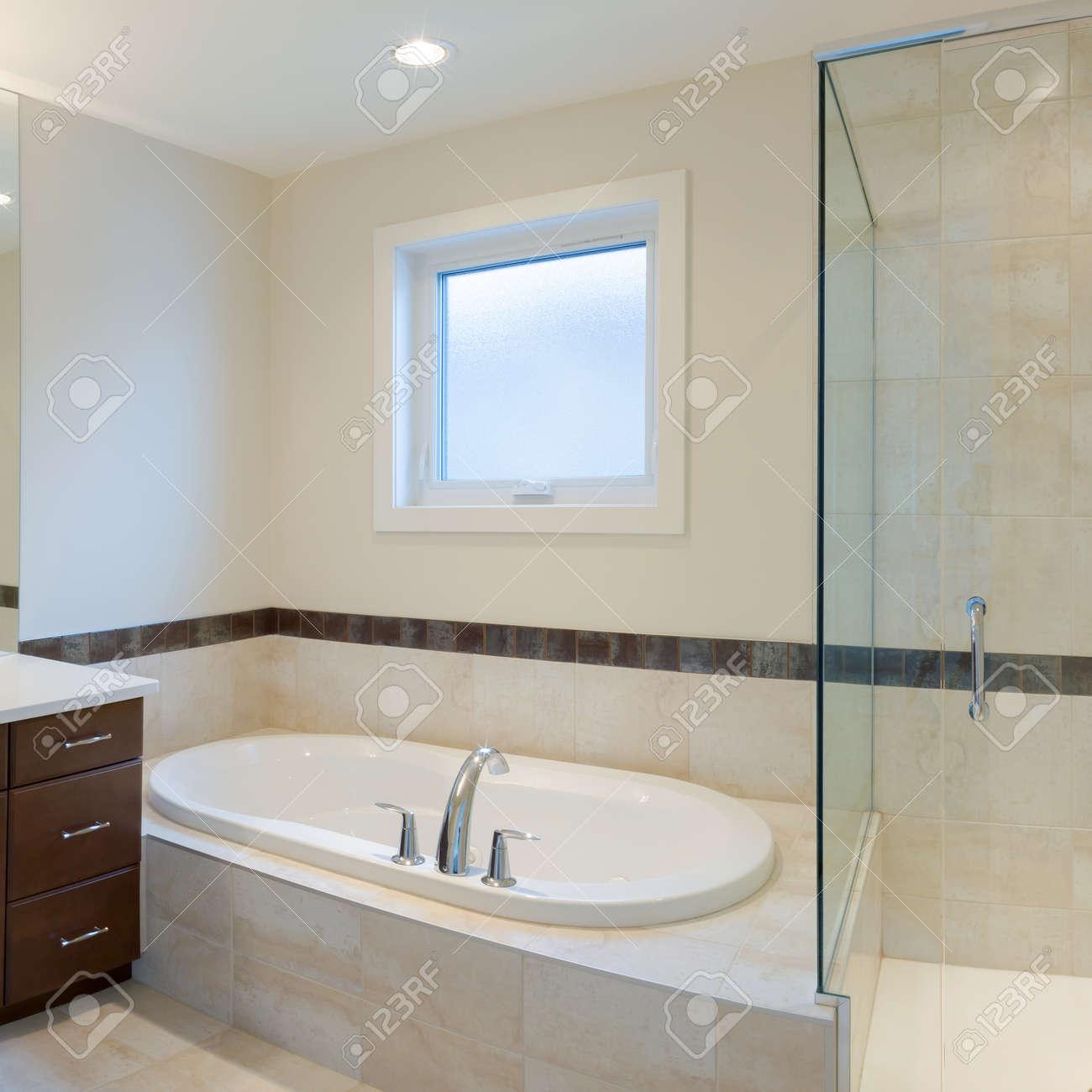 Design d\'intérieur d\'une salle de bain dans la nouvelle maison