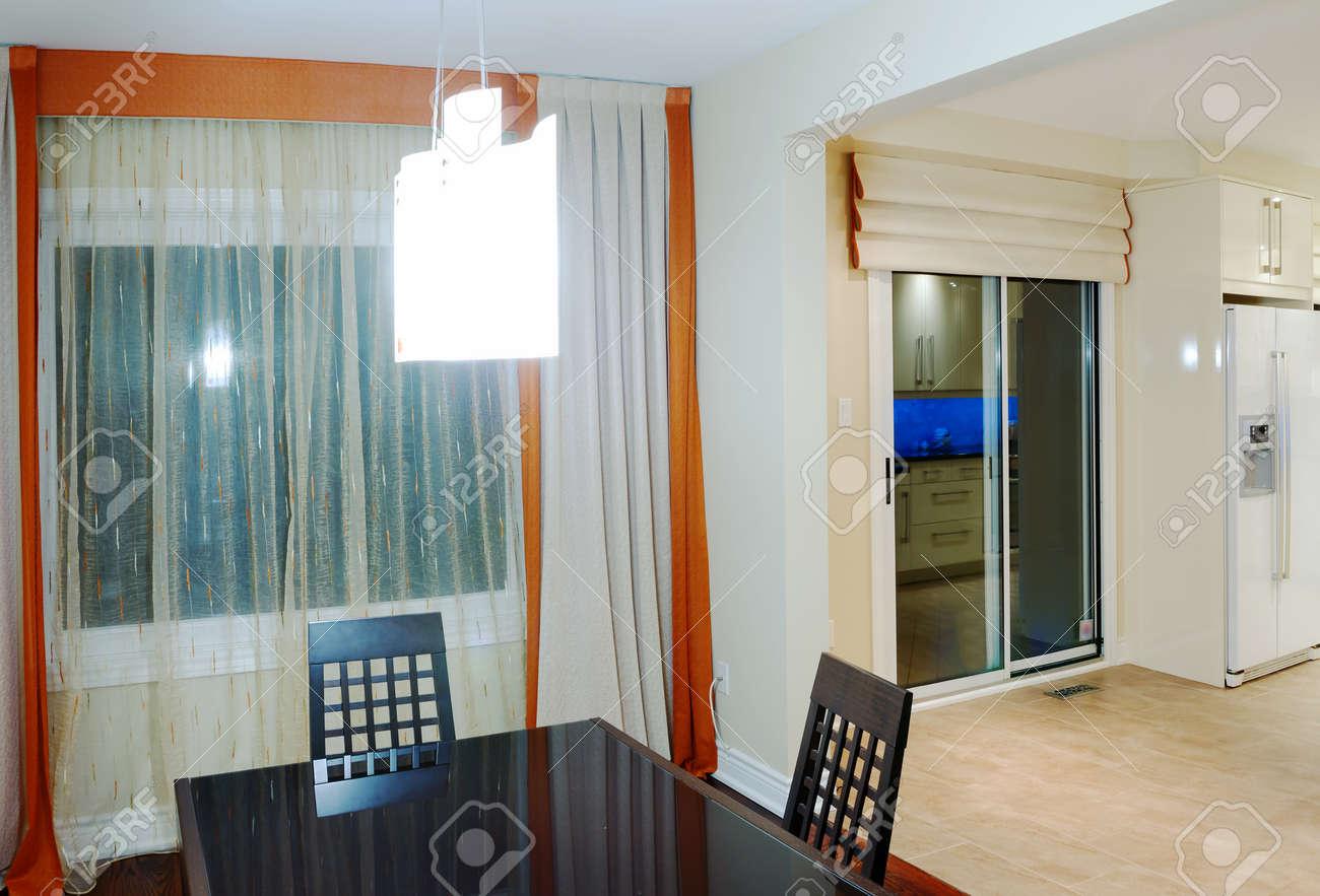 Cucina E Sala Da Pranzo Interior Design Foto Royalty Free, Immagini ...