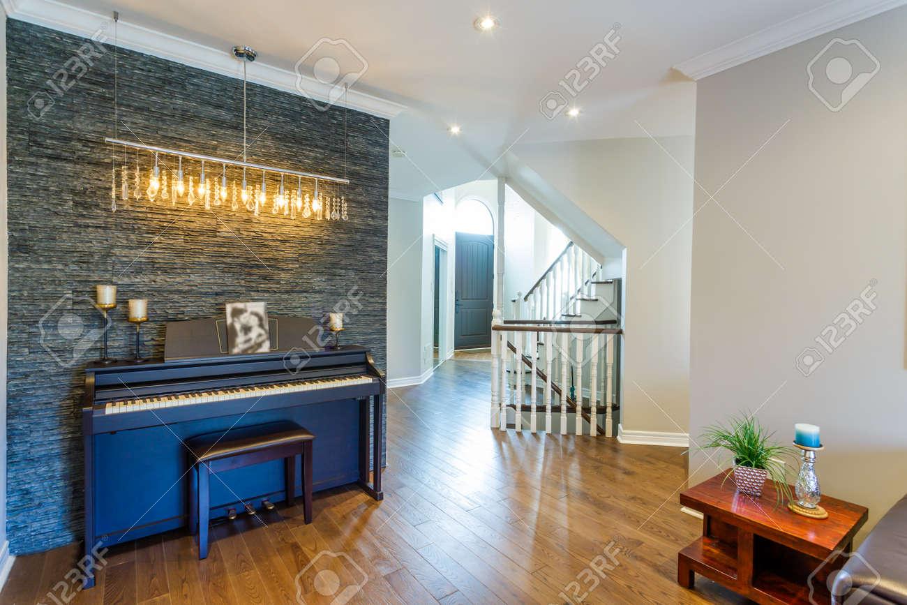 Design D Interieur De Salon Moderne Avec Piano