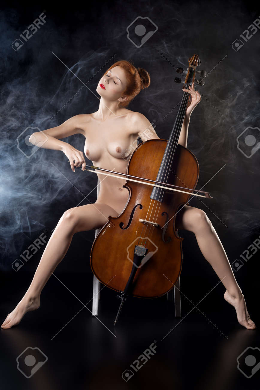 nude-girl-playing-double-bass