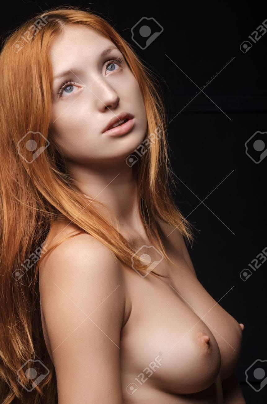 Junge rothaarige nackt