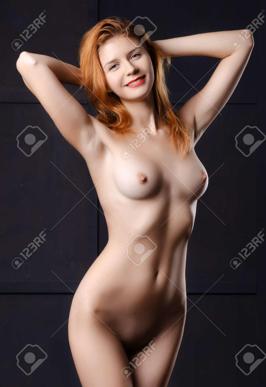 Rotes Licht Studio Mädchen nackt