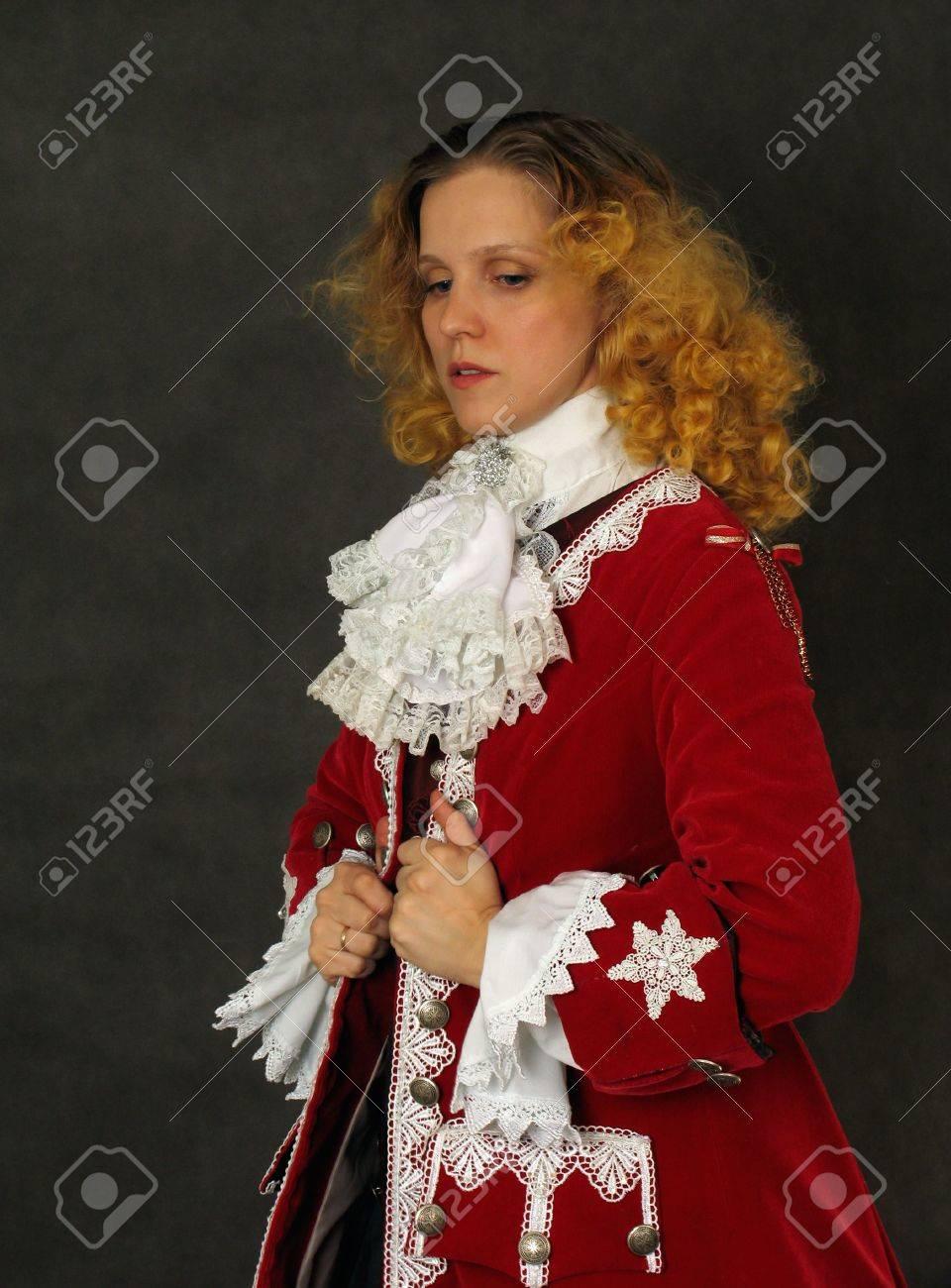 separation shoes 6910c 08557 Donna in vestiti francesi antiquati del secolo 18
