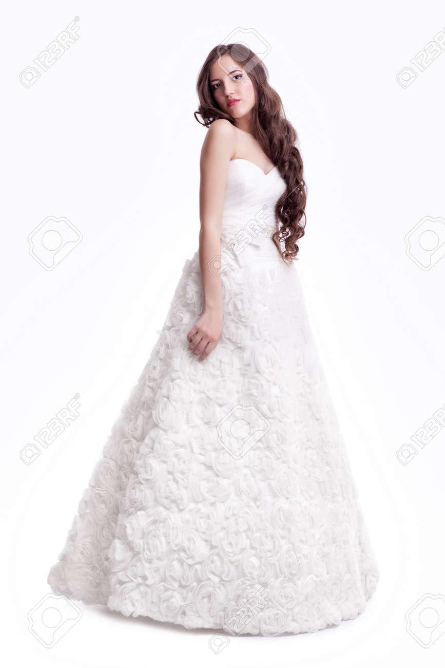 Femme Brune Portrait Femme Mariée En Robe De Blanc De Jeune Belle La gqwBgZC