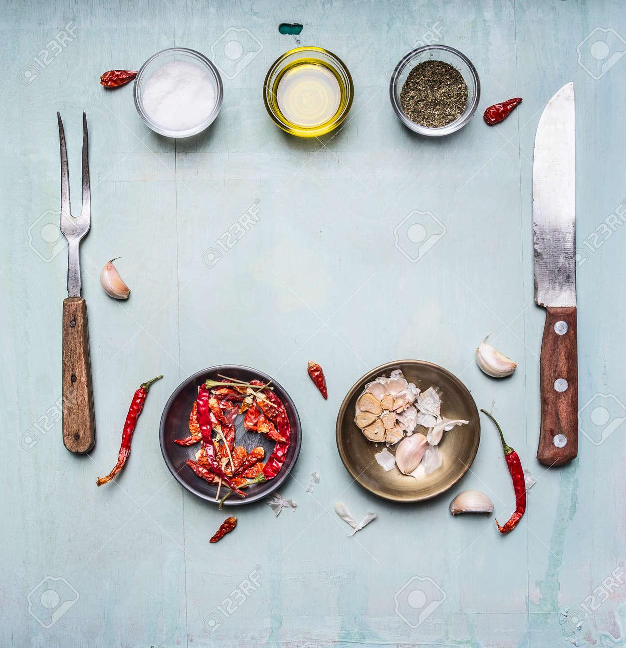 Zutaten Zum Kochen, Würzen, Öl, Messer, Gabel, Knoblauch, Heiße Rote ...
