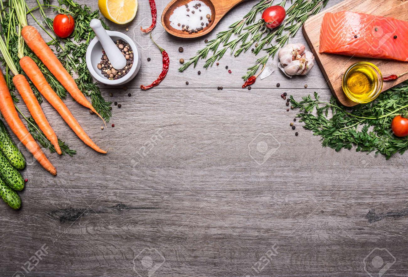 Lachsfilet Mit Köstlichen Zutaten Zum Kochen Eine Vielzahl Von ...