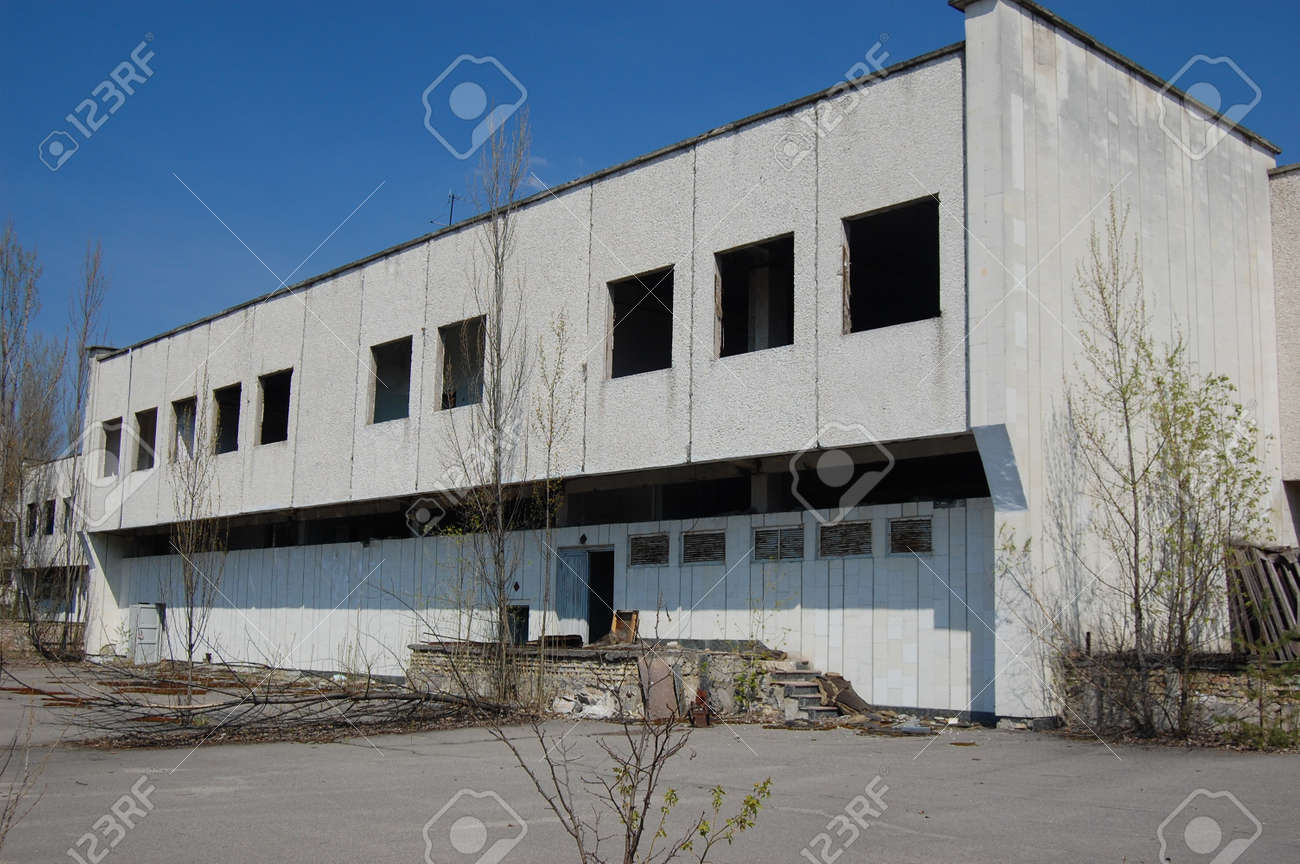 APR. 25,2009 Chernobyl area. Lost city Pripyat. Modern ruins. Ukraine. Kiev region.April 25,2009    Stock Photo - 8491720