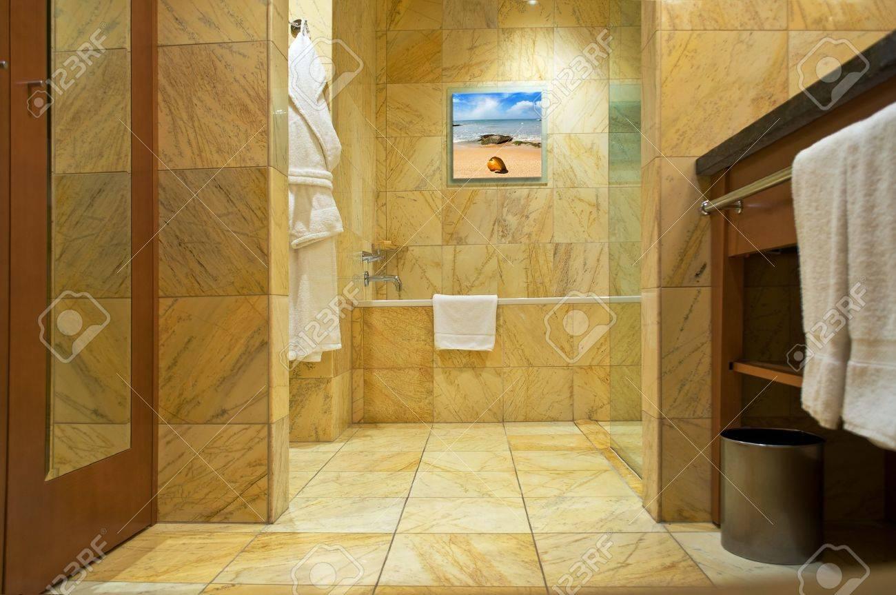 bathroom interior Stock Photo - 13251261