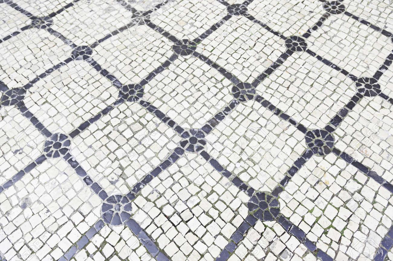 suelo de piedra tpica de lisboa detalle de un piso tpico con formas y dibujos