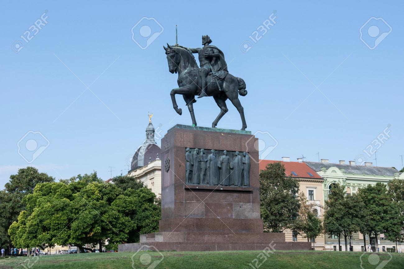 Spomenik Kralju Tomislavu Statues Kralja Tomislava Square In