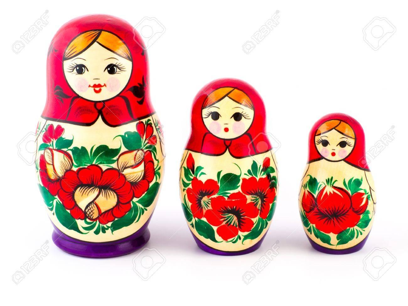 SAC à venir  - Page 6 49648825-poup%C3%A9es-russes-babushkas-ou-matriochkas-set-de-3-pi%C3%A8ces-