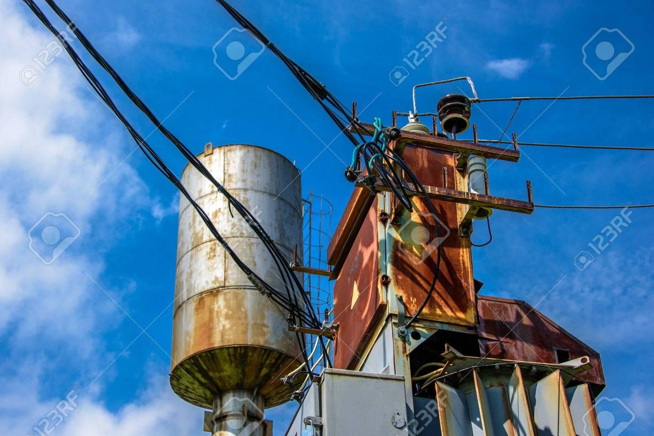 Nett Industrielle Elektrische Kabel Und Drähte Fotos - Der ...