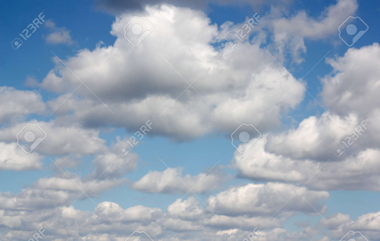 Beautiful blue sky with clouds Stock Photo - 29625992