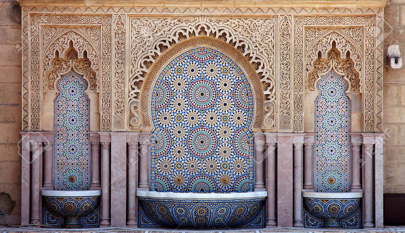 Beautiful handcrafted fountain in Morocco - 169922391