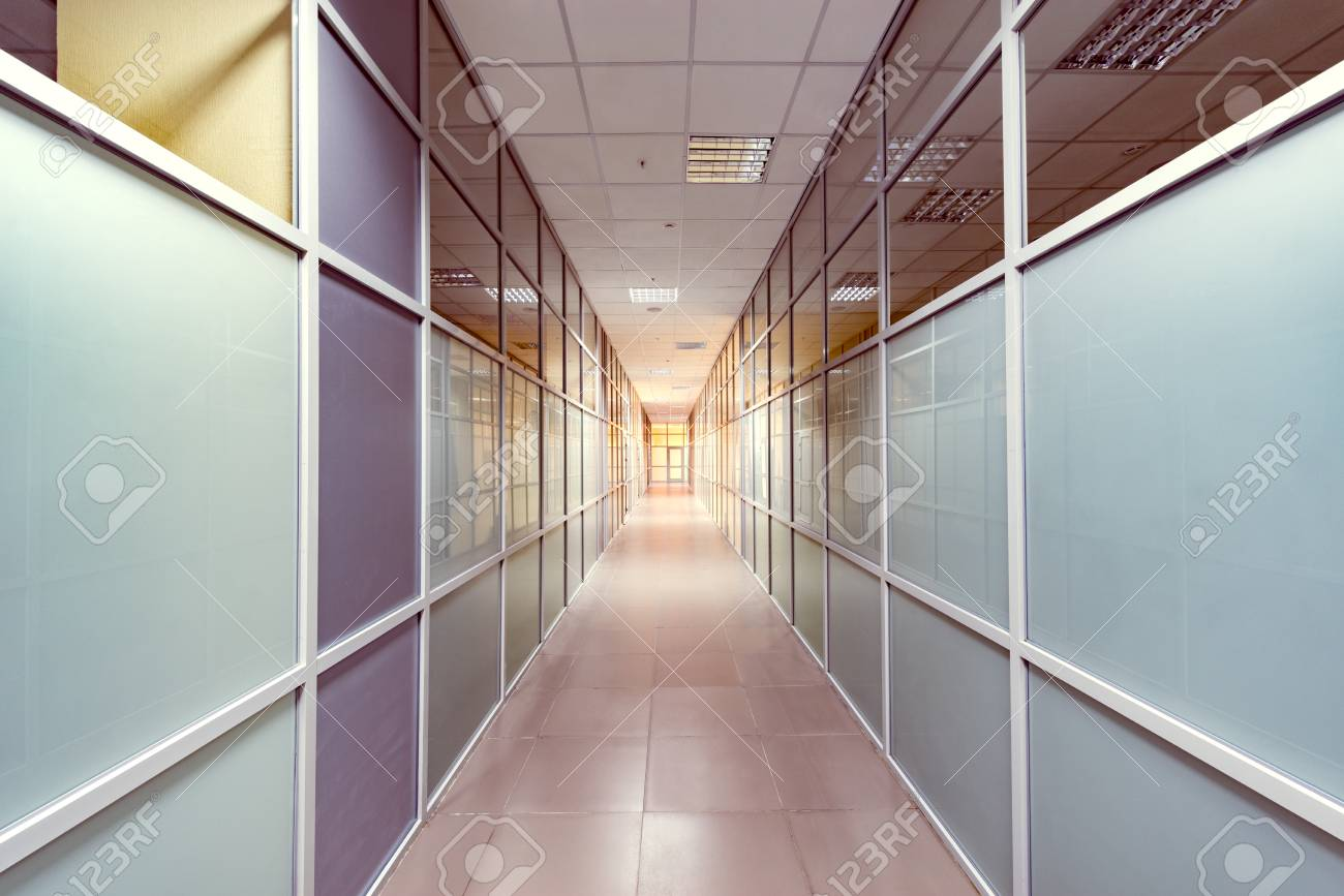 Vue du couloir à l intérieur du b timent de bureaux banque d