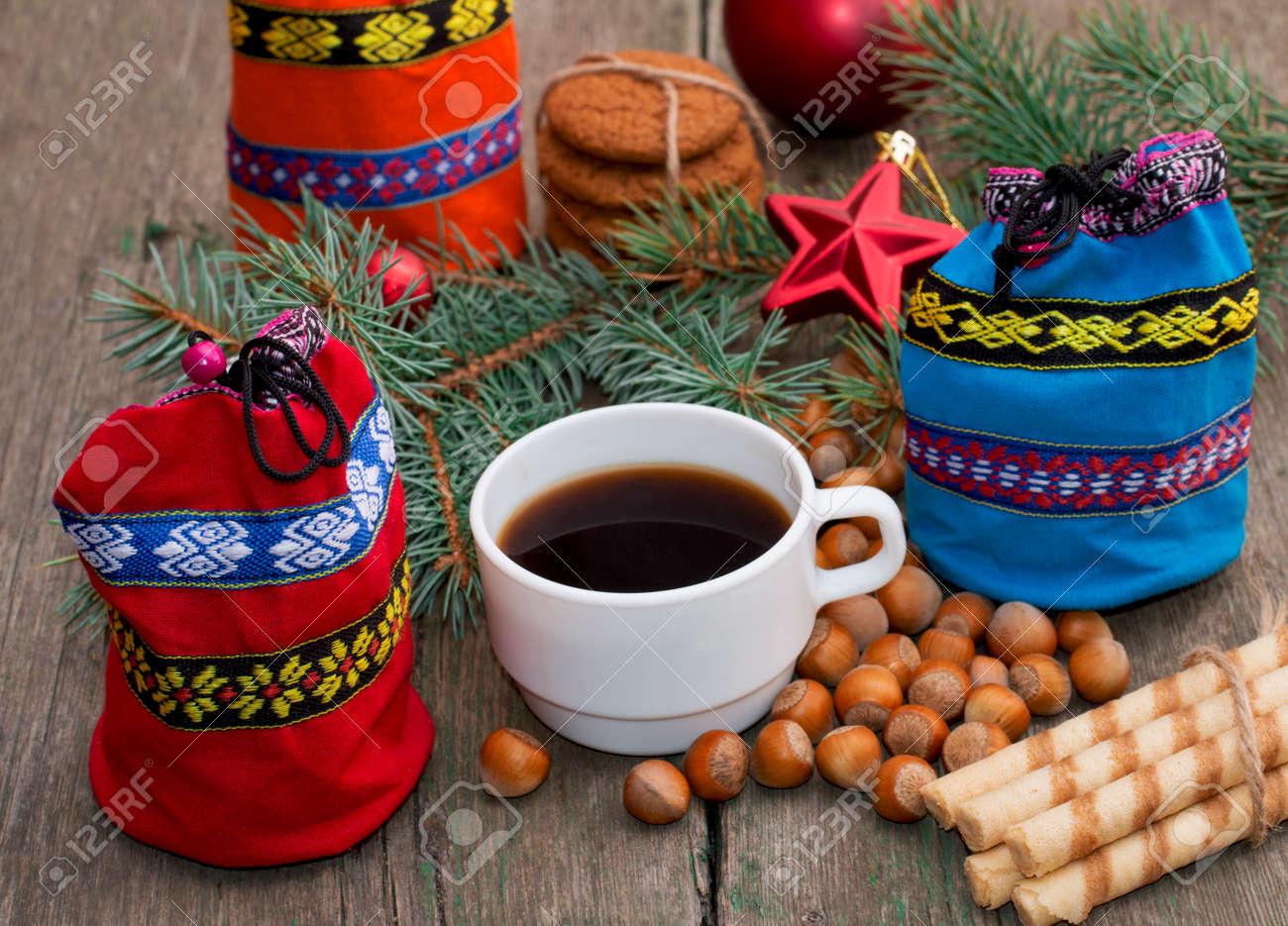 Drei Geschenk-Taschen, Tanne Zweig, Kaffee Und Süßigkeiten, Thema ...