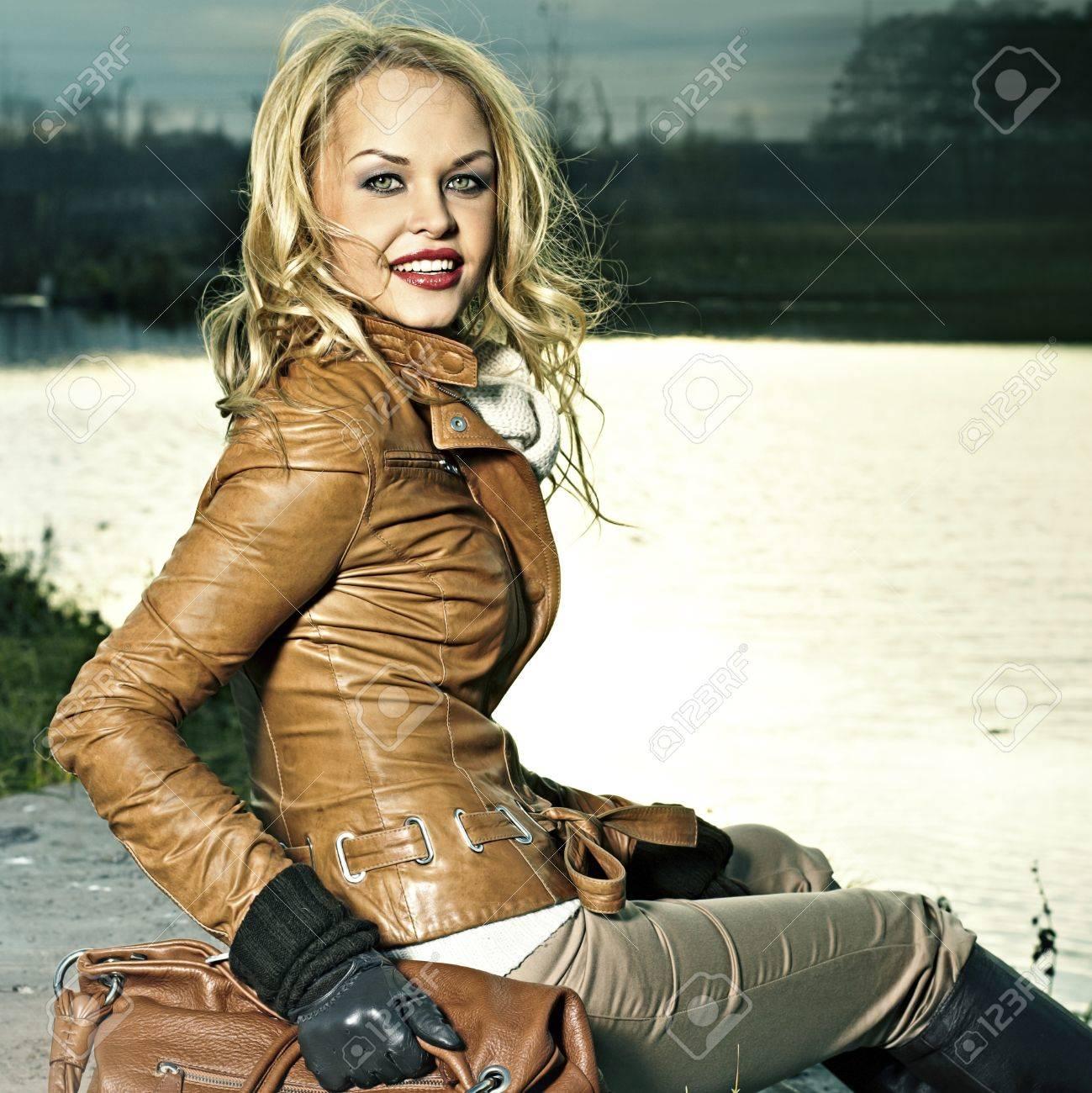 Фото девушек в кожаных куртках 12 фотография