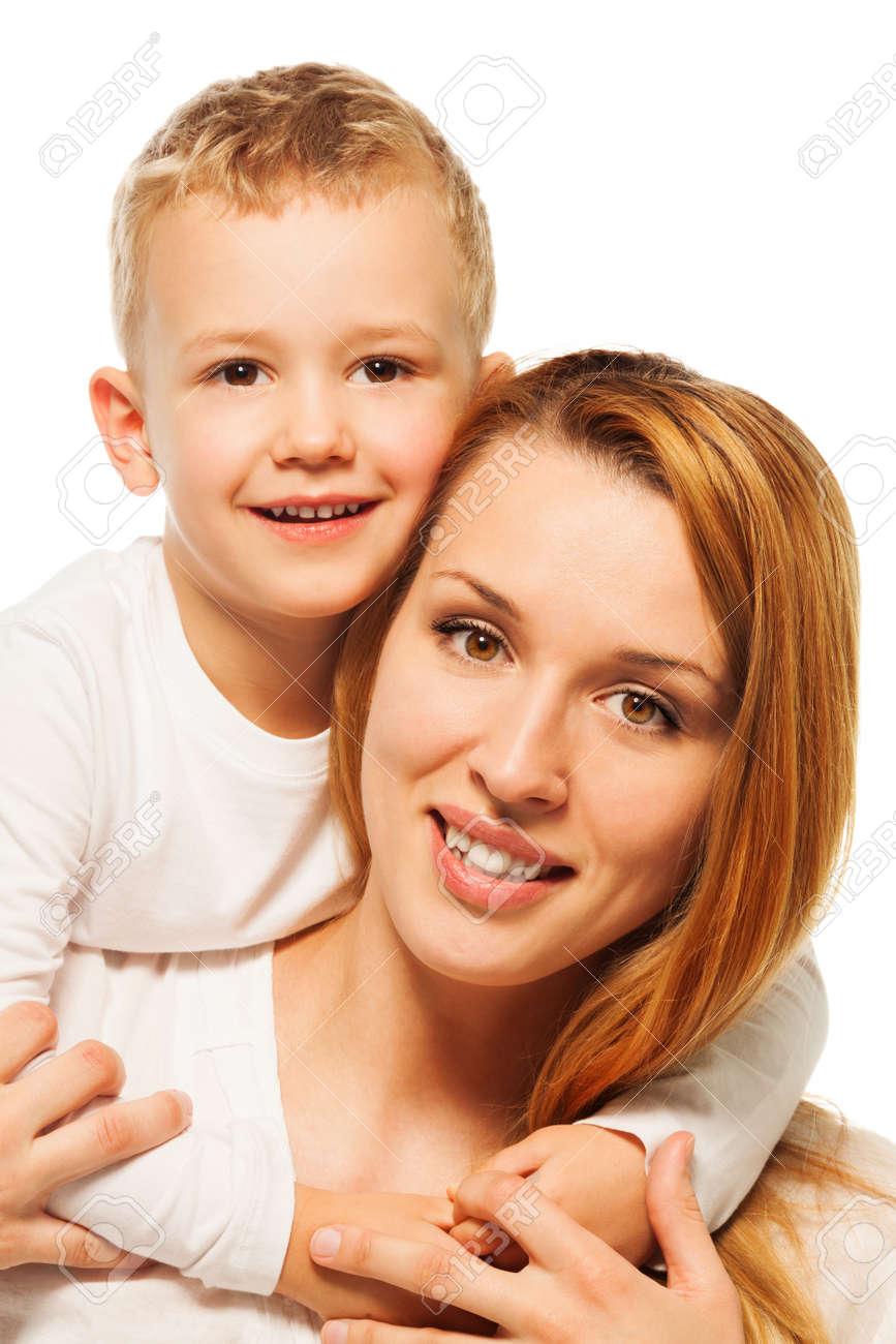 Сын с молоденькой мамой 6 фотография