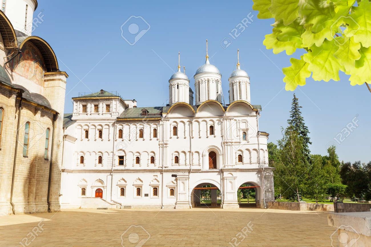 大聖堂広場に十二使徒教会 の写真素材・画像素材 Image 32961581.