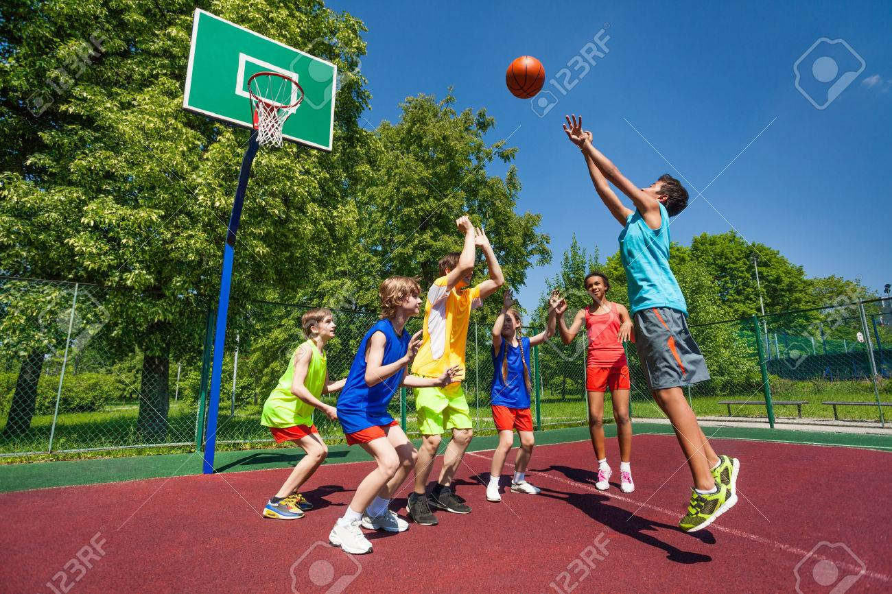 basketball team stock photos u0026 pictures royalty free basketball