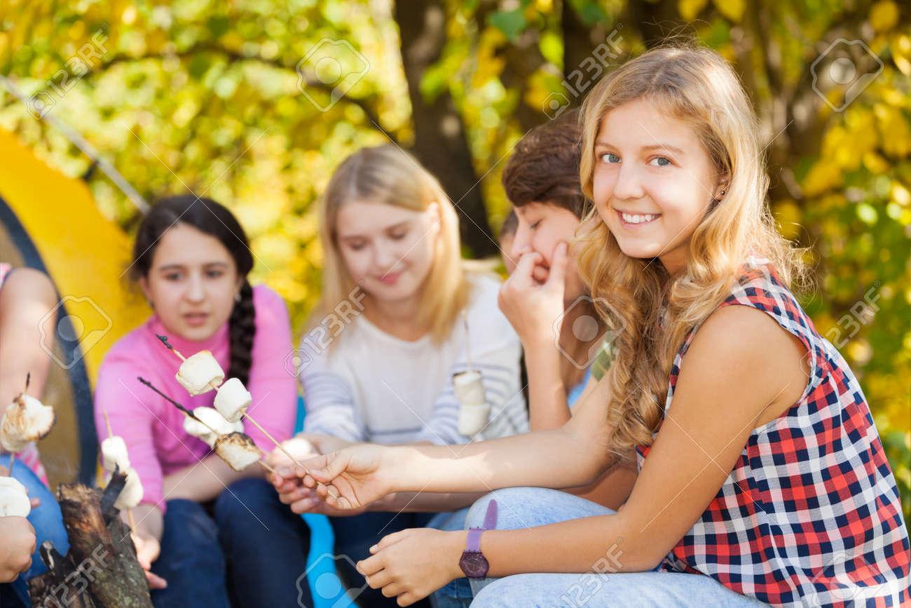 www nahé Teens com vysoká škola lesbičky orgie