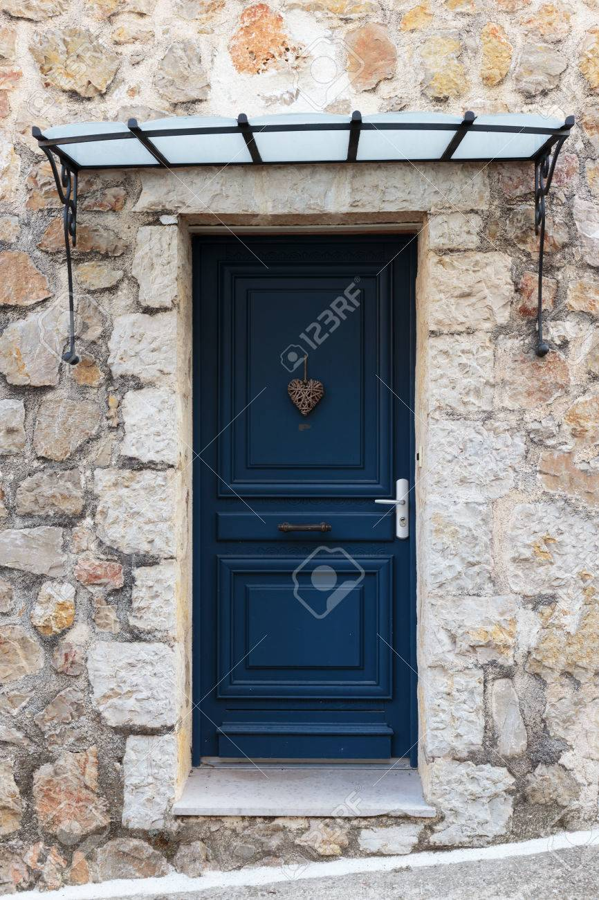 Vieille Porte En Bois à Lentrée De Pierre Maison Française Banque D