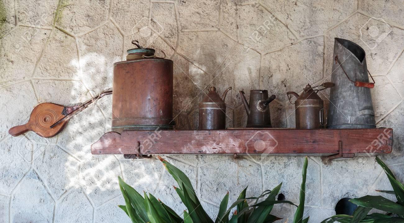 Alte Küchengeräte In Der Küche Rustikale Französisch Haus ...