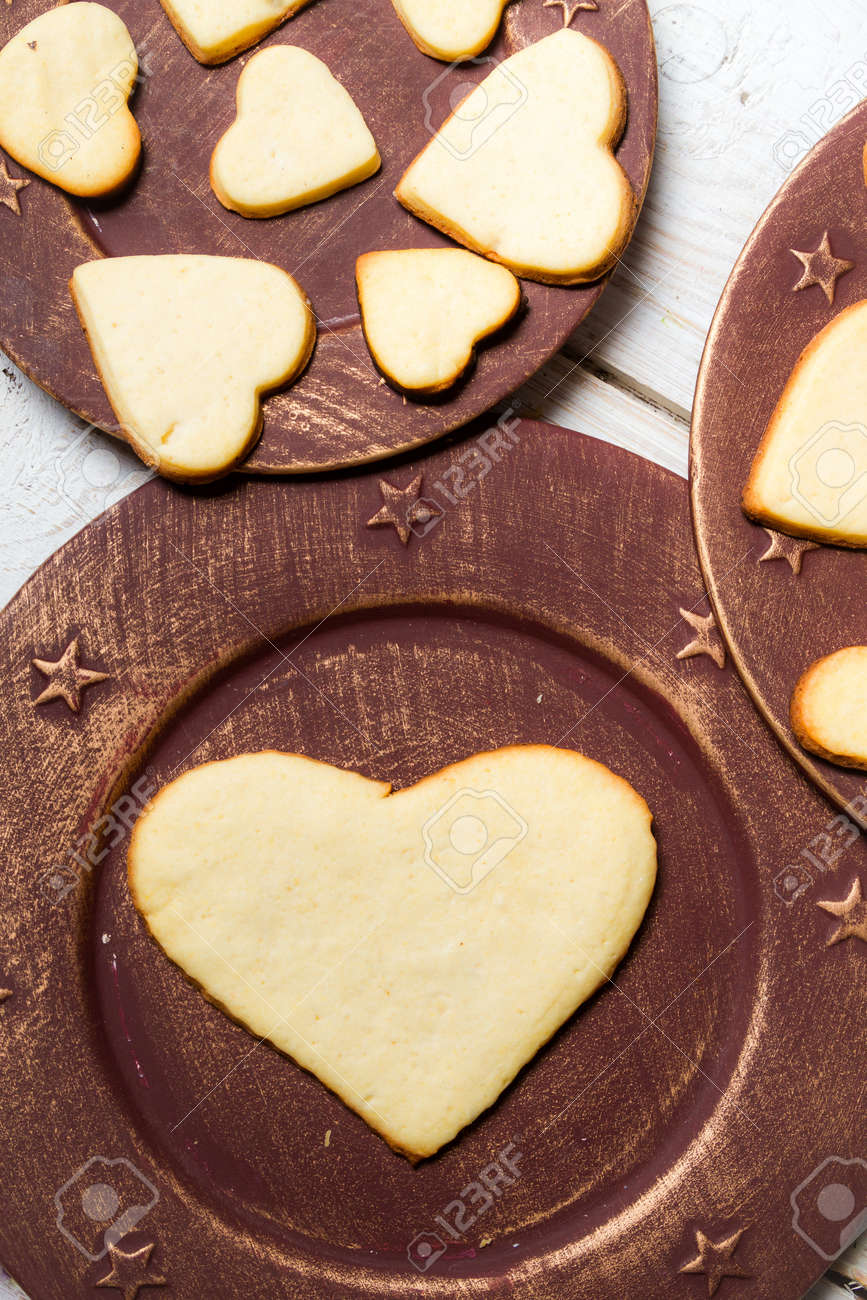 Heart-shaped cookies arranged on a plate Stock Photo - 17127469