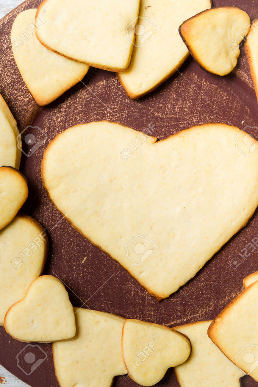 Heart-shaped cookies arranged on a plate Stock Photo - 17127294