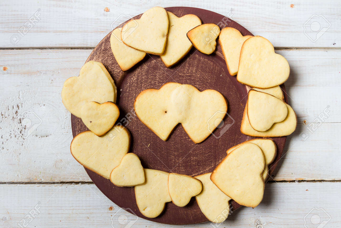 Heart-shaped cookies arranged on a plate Stock Photo - 17127221