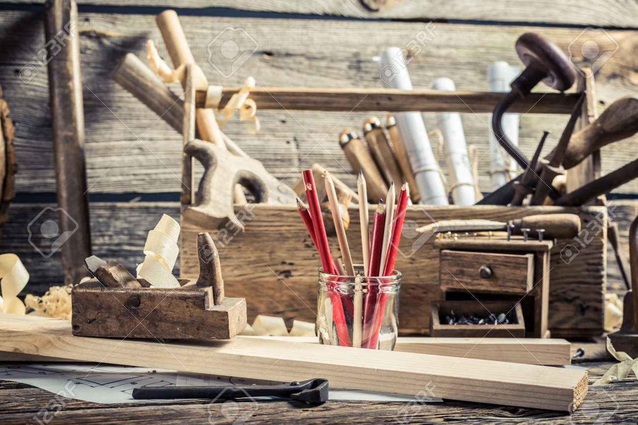Drawing workshop and old carpentry workbench Stock Photo - 37062953