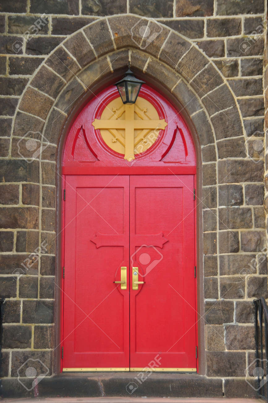 Gothic style red entrance doors of the Episcopal church in Vineland New Jersey Stock Photo & Gothic Style Red Entrance Doors Of The Episcopal Church In ... Pezcame.Com