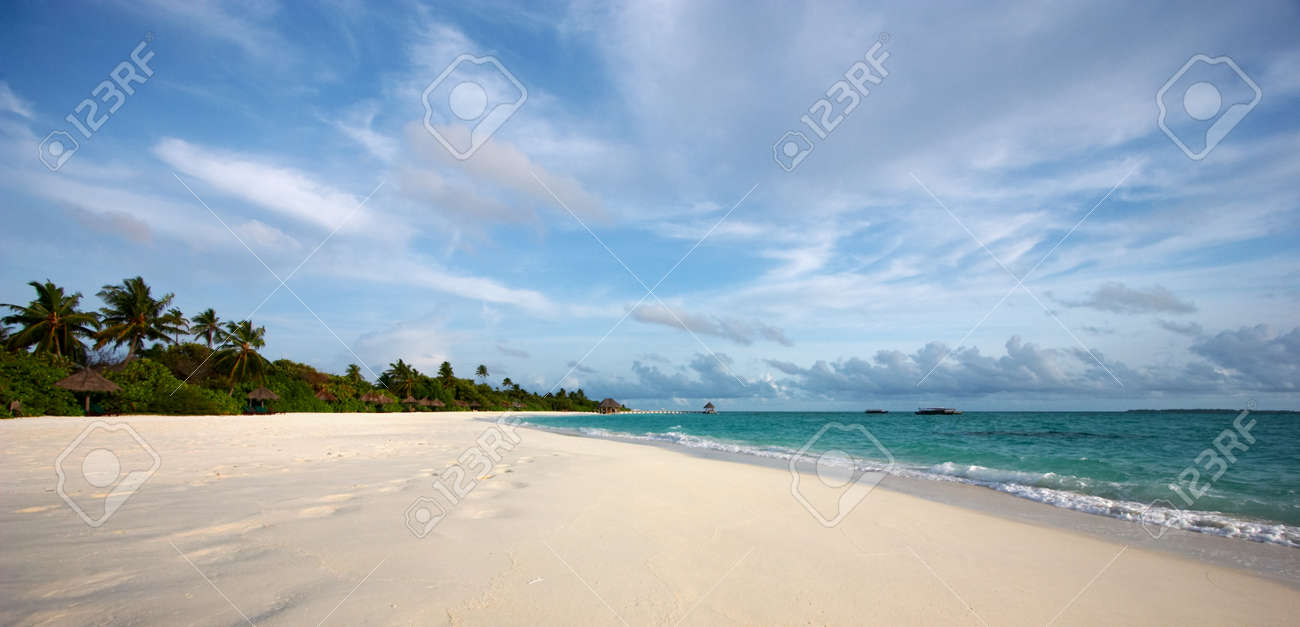Awesome view of the palm island Stock Photo - 1416033