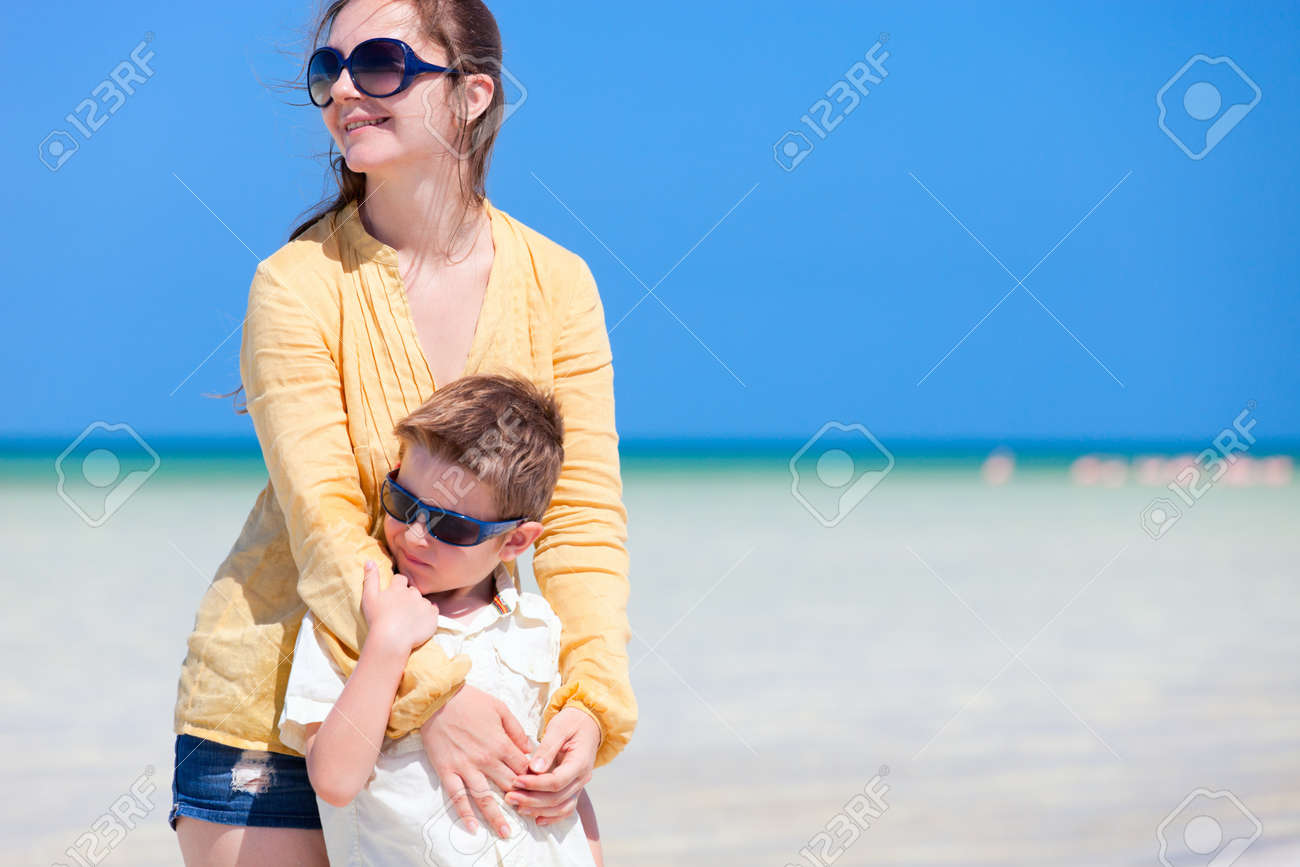Mother and son portrait on beach vacation Stock Photo - 9784307