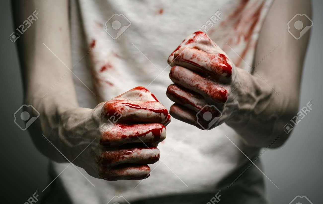 Resultado de imagen para imagenes manos ensangrentadas