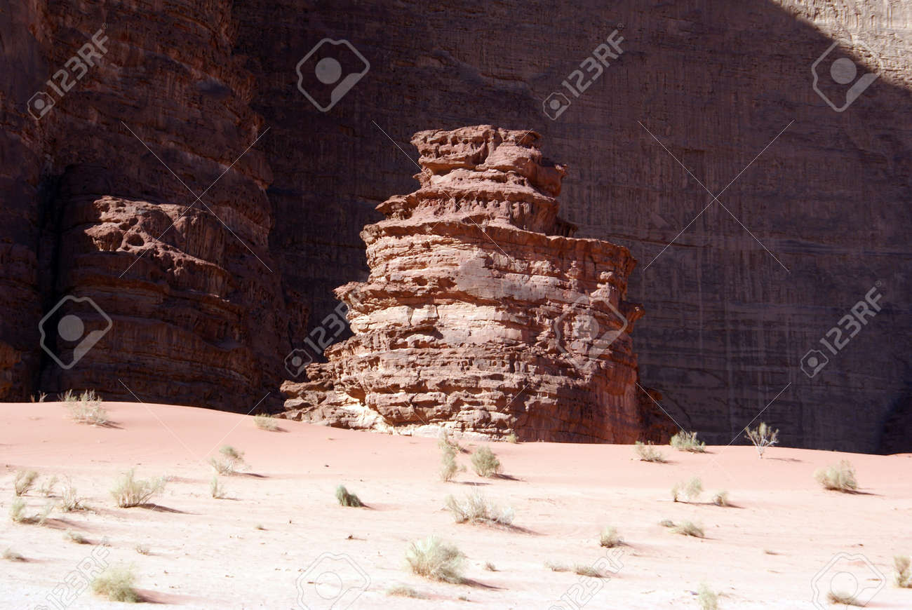 Rock formations and sand in Wadi Rum, Jordan Stock Photo - 7574214