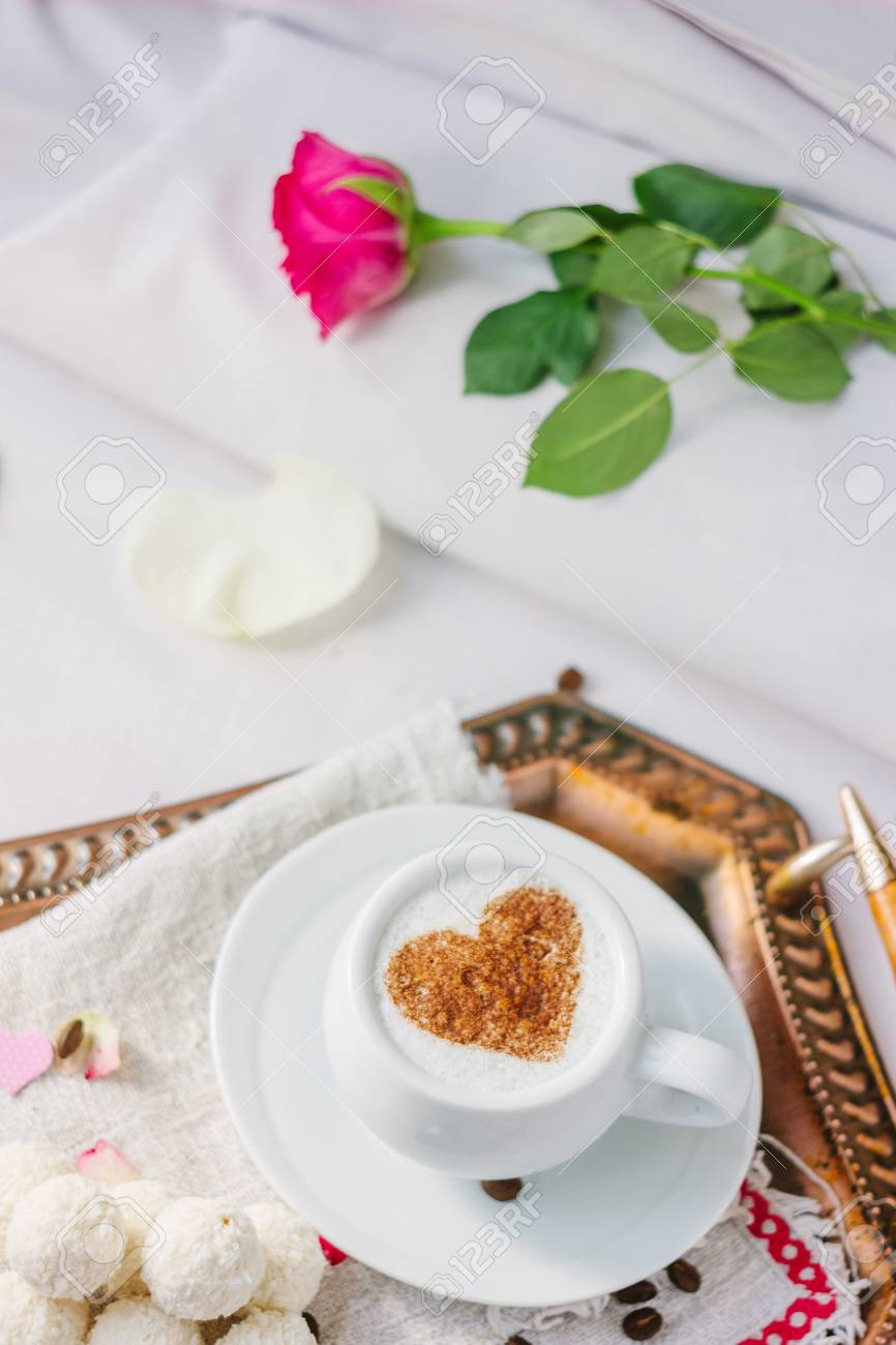 Valentinstag fruhstuck im bett