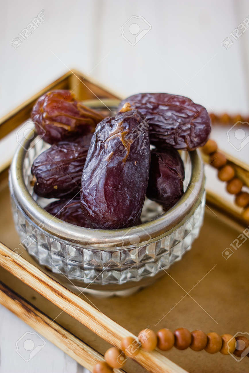 Dates for iftar time during ramadan month