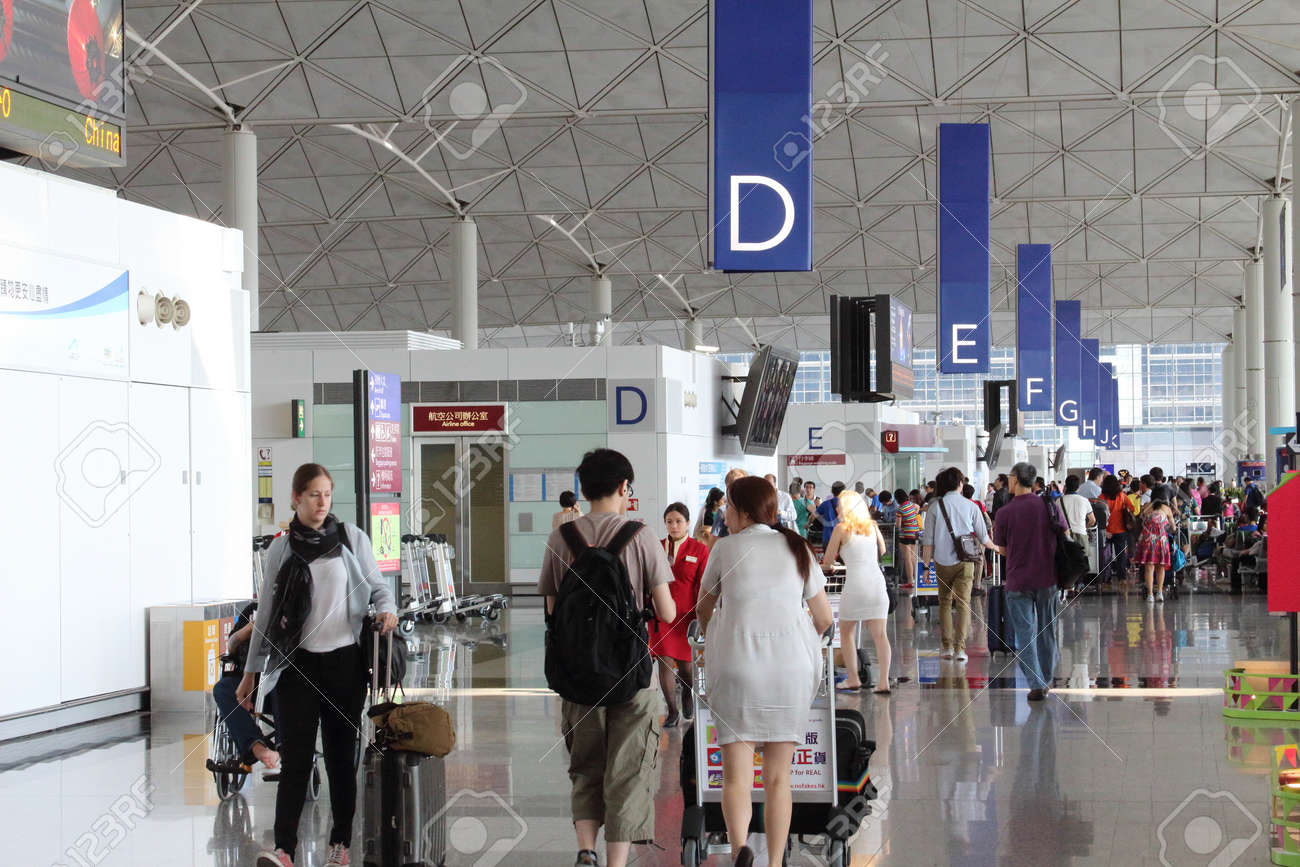 Hong Kong International Airport  HKIA  check in concourse Stock Photo - 23105177