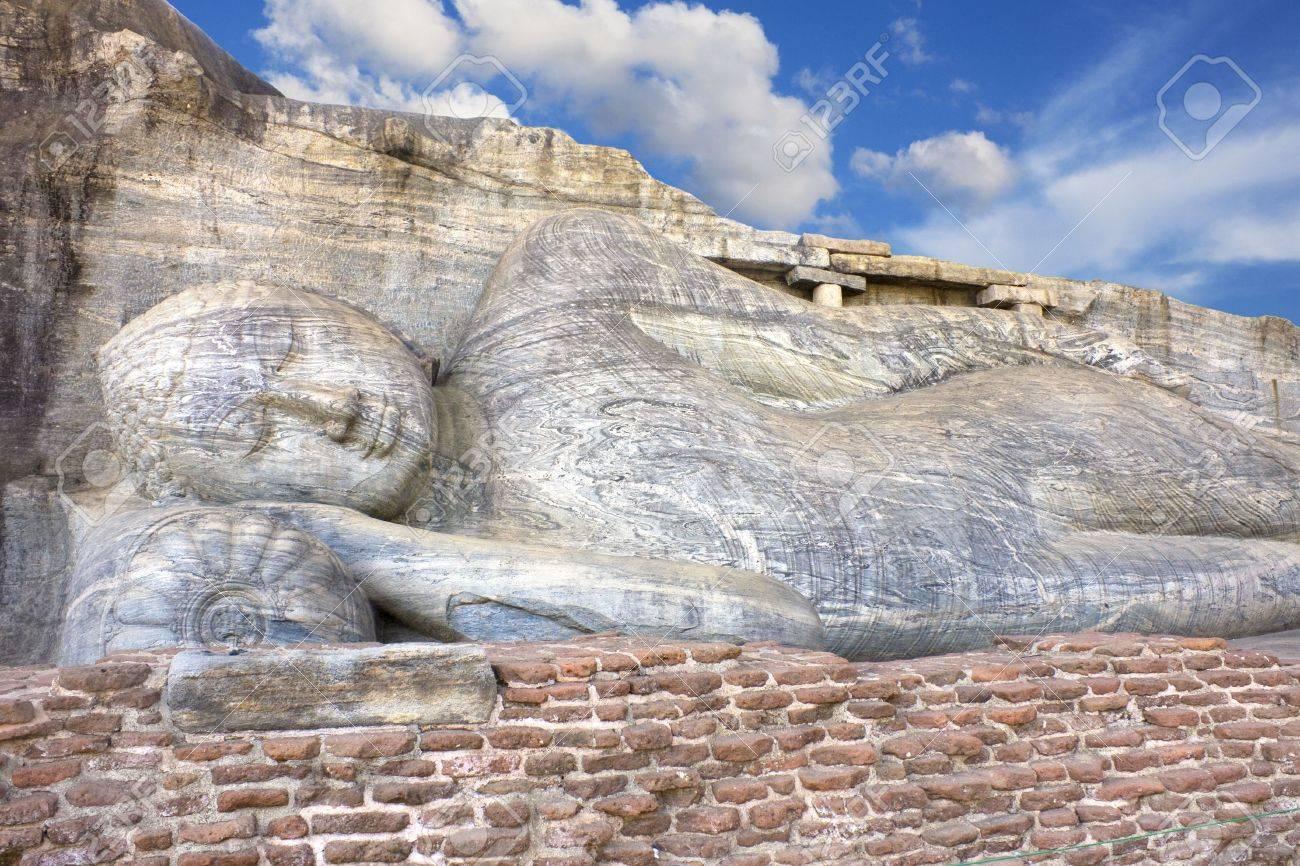 Image of a 14 meter reclining Buddha sculpture at Gal Vihara Polonnaruwa Sri Lanka & Image Of A 14 Meter Reclining Buddha Sculpture At Gal Vihara ... islam-shia.org