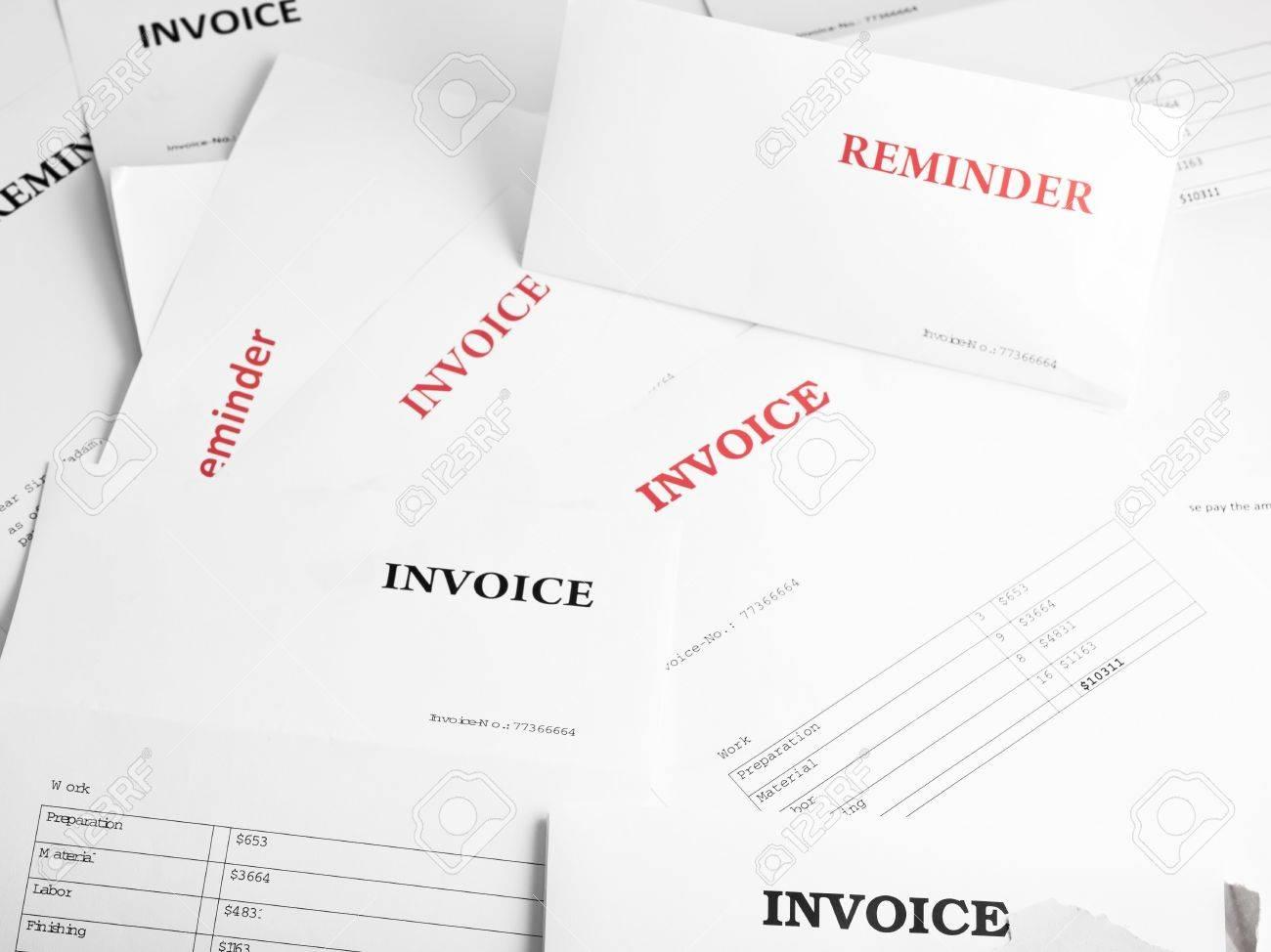 Hintergrund Mit Zahlreichen Rechnung Und Mahnschreiben Gefüllt