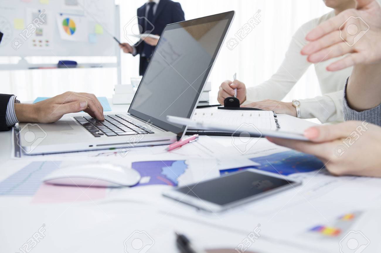Businessmen who have a strategy meeting at the office Stock Photo - 50590966