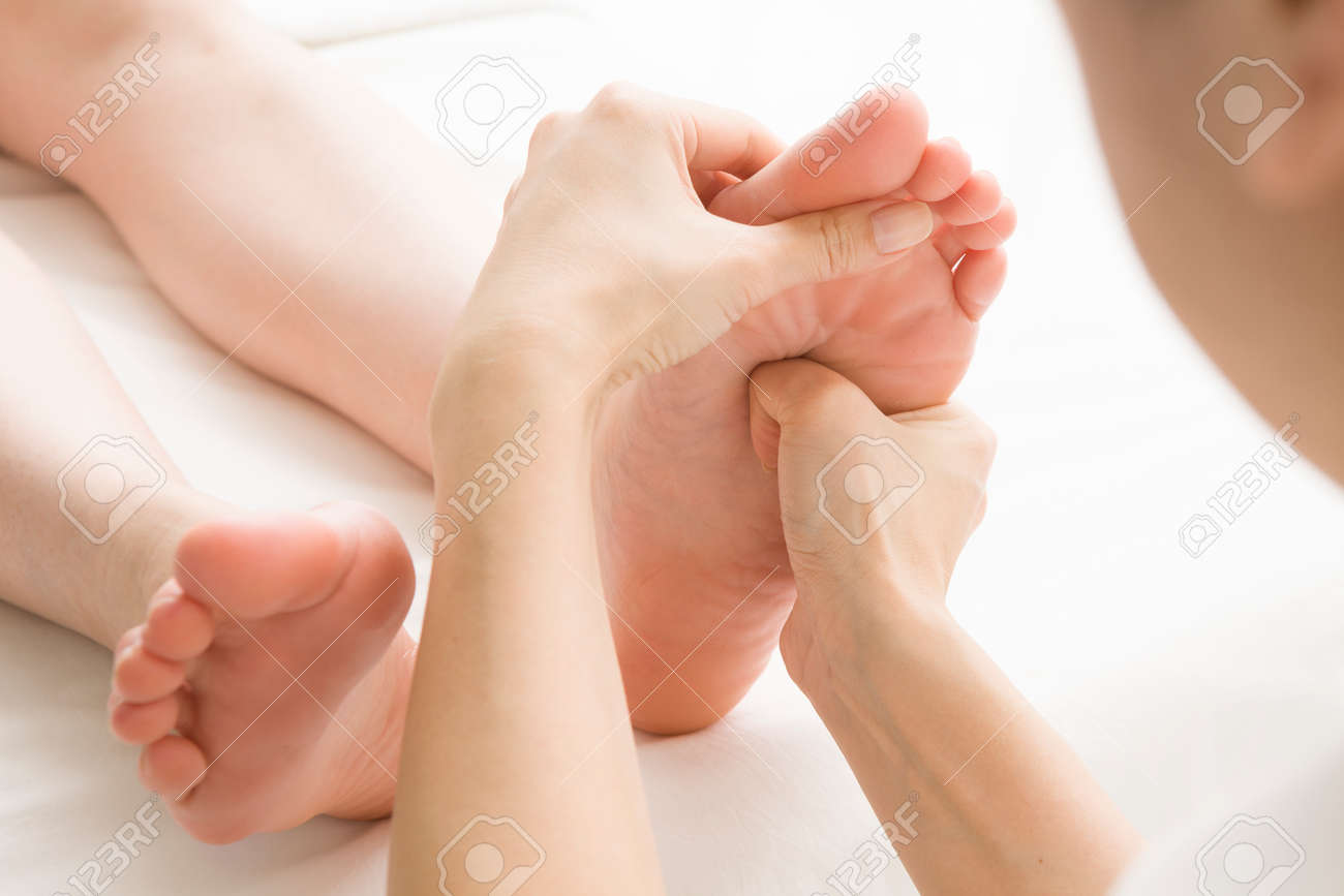 Female customers, which is a foot massage Stock Photo - 51174366