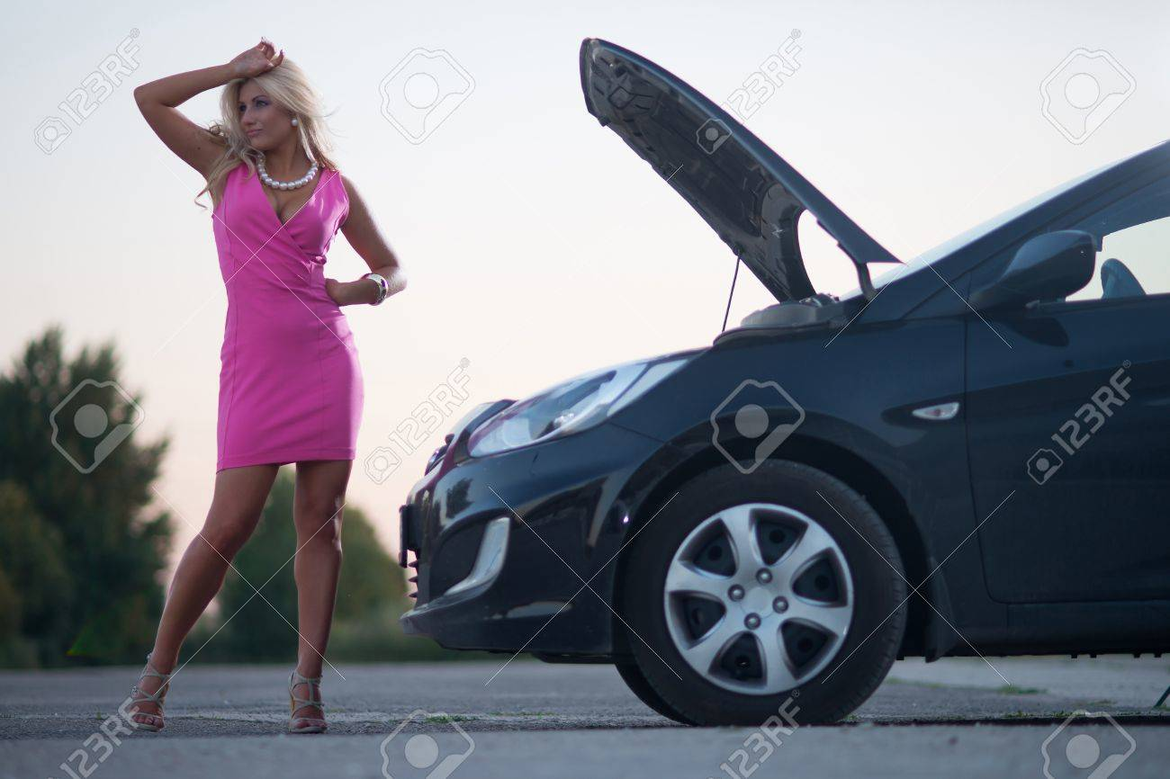 Car Broke Down >> Young Attractive Woman S Car Broke Down On The Road