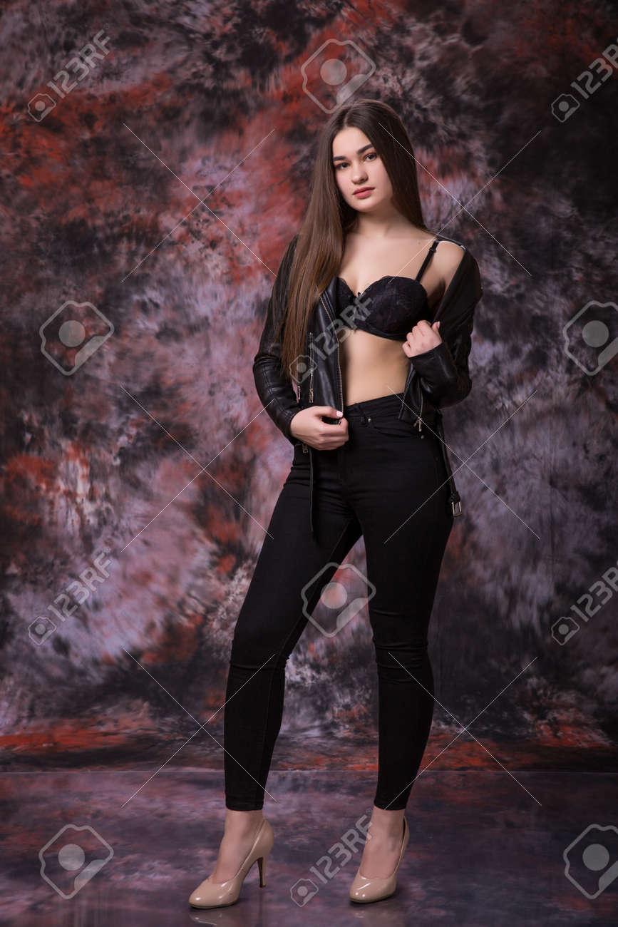 vollschlanke-frauen-posieren-sexy-soha-ali-khan-neueste-pornobilder