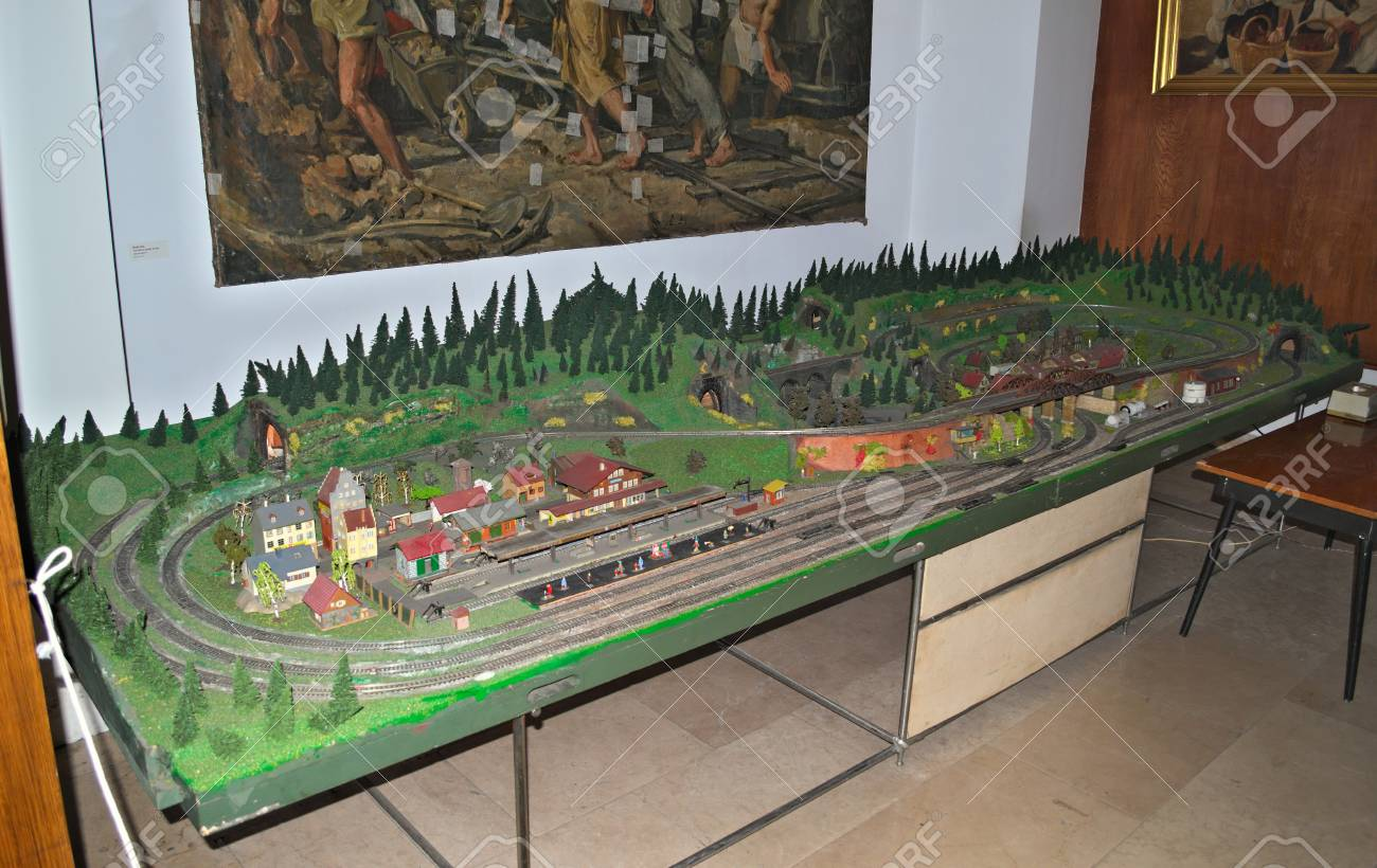 Prime Model Railroad Table On Display In Museum Home Remodeling Inspirations Basidirectenergyitoicom