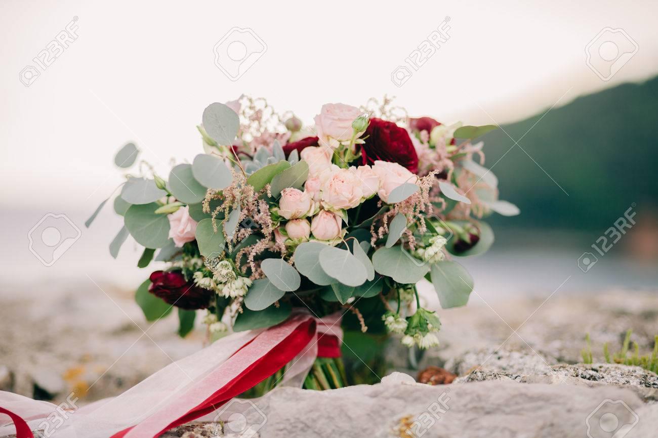 Hochzeitsstrauss Pfingstrosen Und Rosen Kunsthochzeitsart