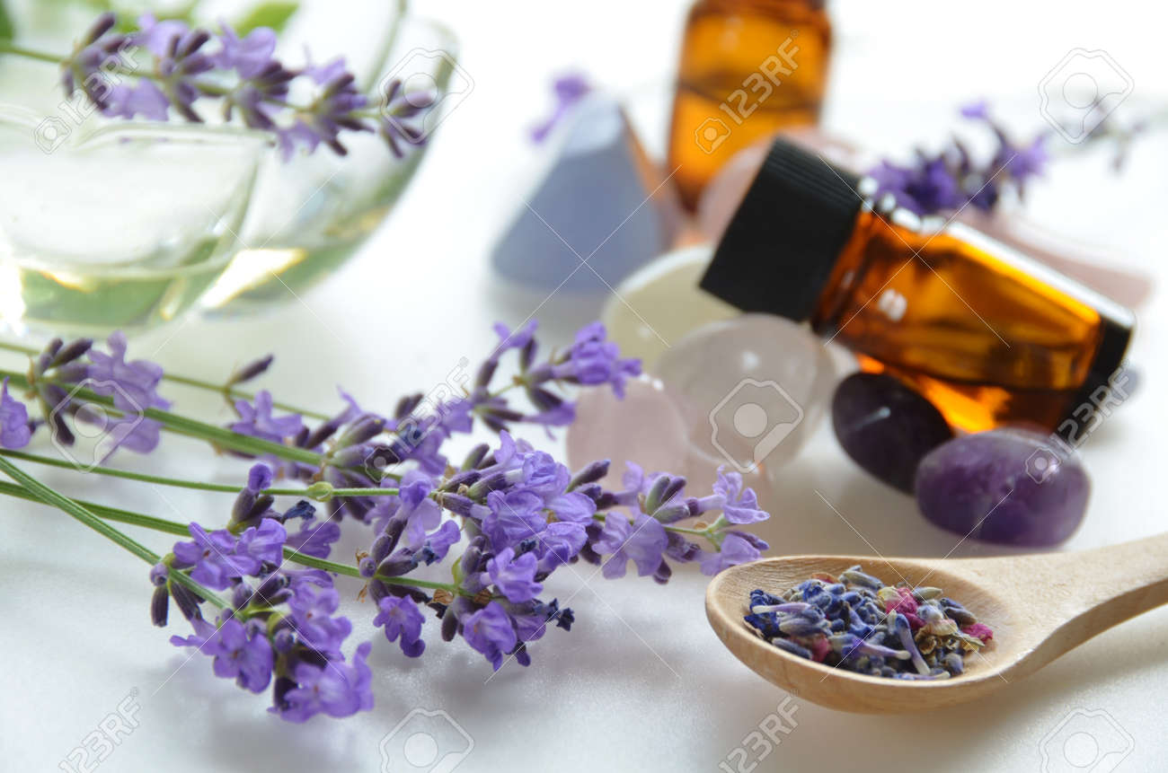 aromatherapy treatment with lavender - 30007328